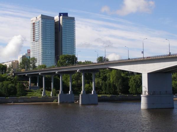 Длина моста через каму в перми 20 5 долларов